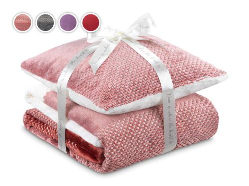 Набор из покрывала и подушки Warm Hug 2020