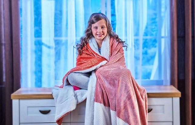 Набор из покрывала и подушки Dormeo Warm Hug 2020